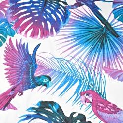 Bawełna liście duże niebiesko fioletowe z papugami na białym tle