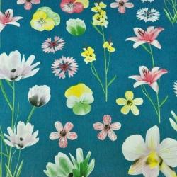 kwiaty wiosenne na szmaragdowym tle