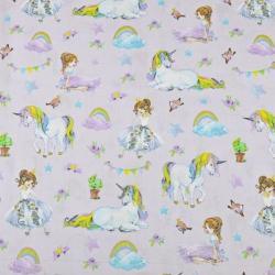 jednorożce kolorowe z księżniczkami na jasno fioletowym tle