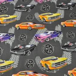 samochody tuningowe na ciemno szarym tle