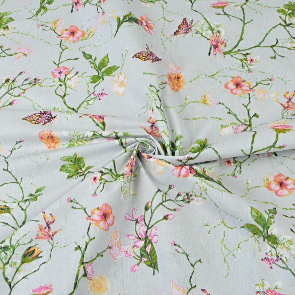 kwiaty pnącza z motylkami na jasno szarym tle