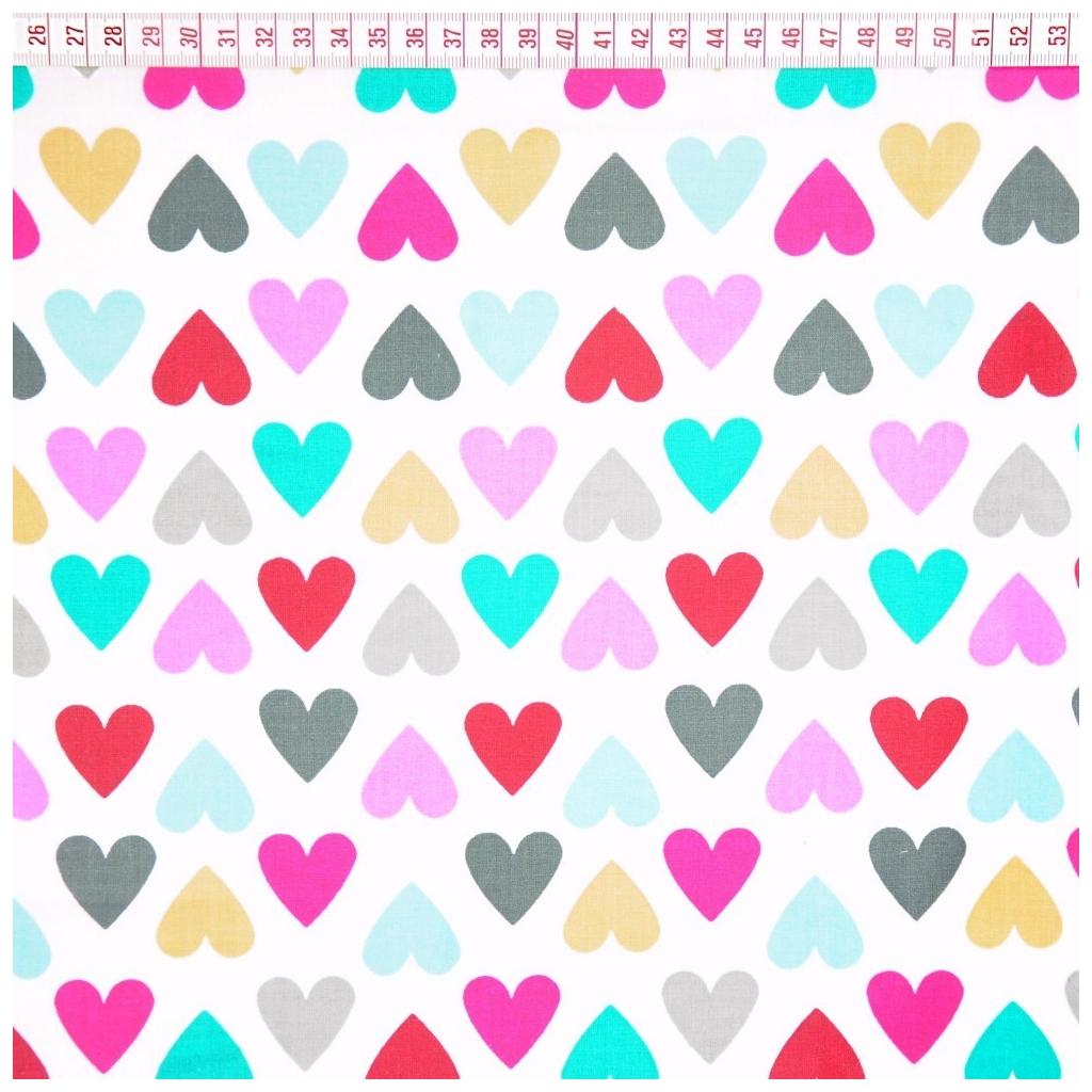 Tkanina w serduszka kolorowe na białym tle