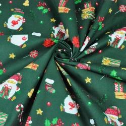 wzór świąteczny mikołaje z prezentami na ciemno zielonym tle