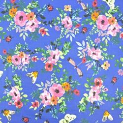 kwiaty maki kolorowe z owadami na szafirowym tle