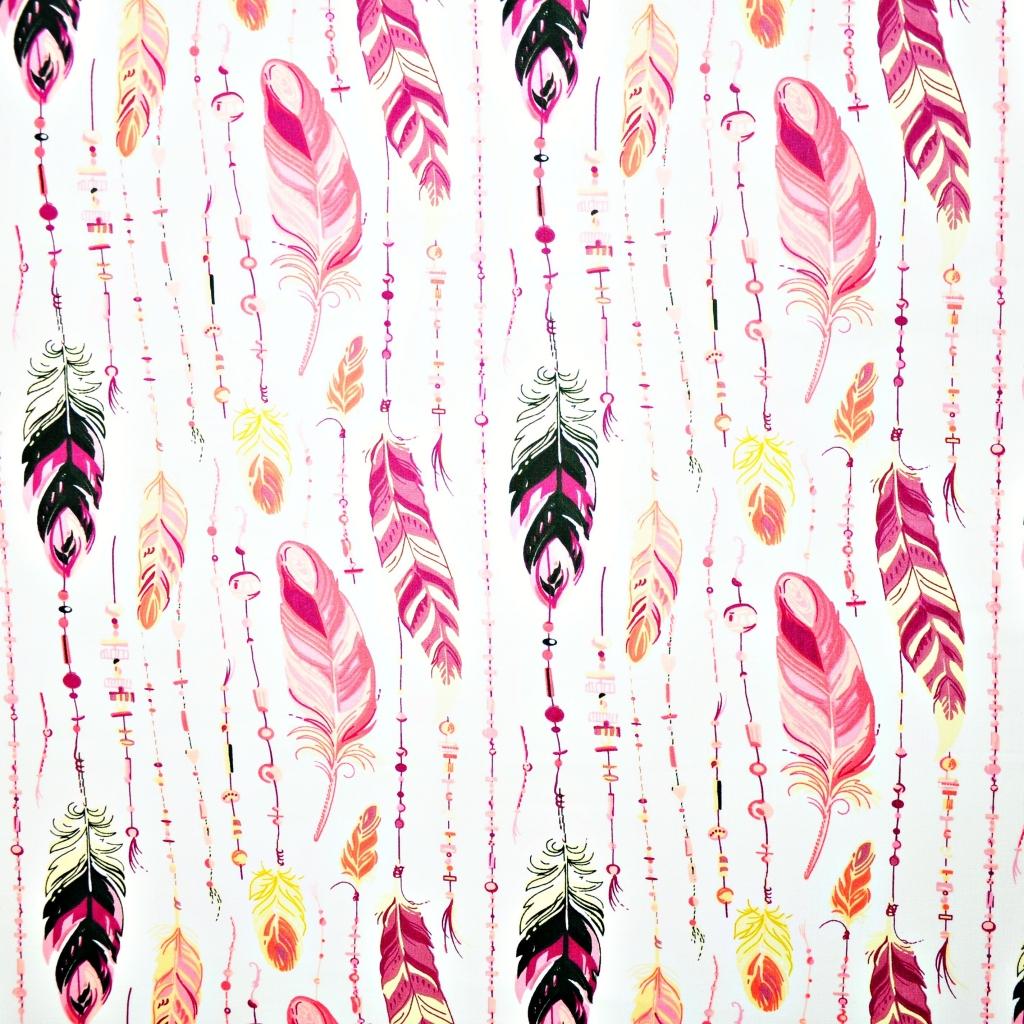 Bawełna piórka z koralikami różowe na białym tle