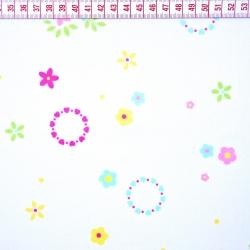 Tkanina w kwiaty wianuszki kolorowe na białym tle