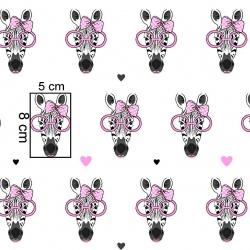 Tkanina w zebry w różowych okularach na białym tle