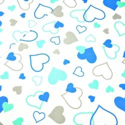 Tkanina w serca LOVE niebiesko miętowe na białym tle