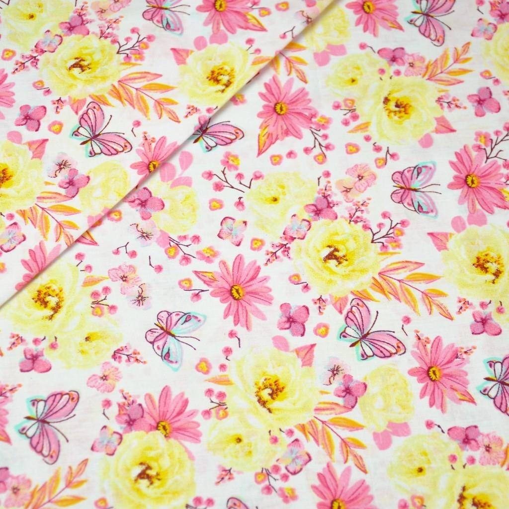 Tkanina w kwiatki z motylkami żółto różowe na białym tle