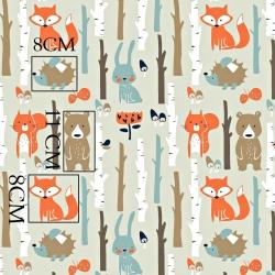 Tkanina w zwierzęta w lesie na beżowym tle