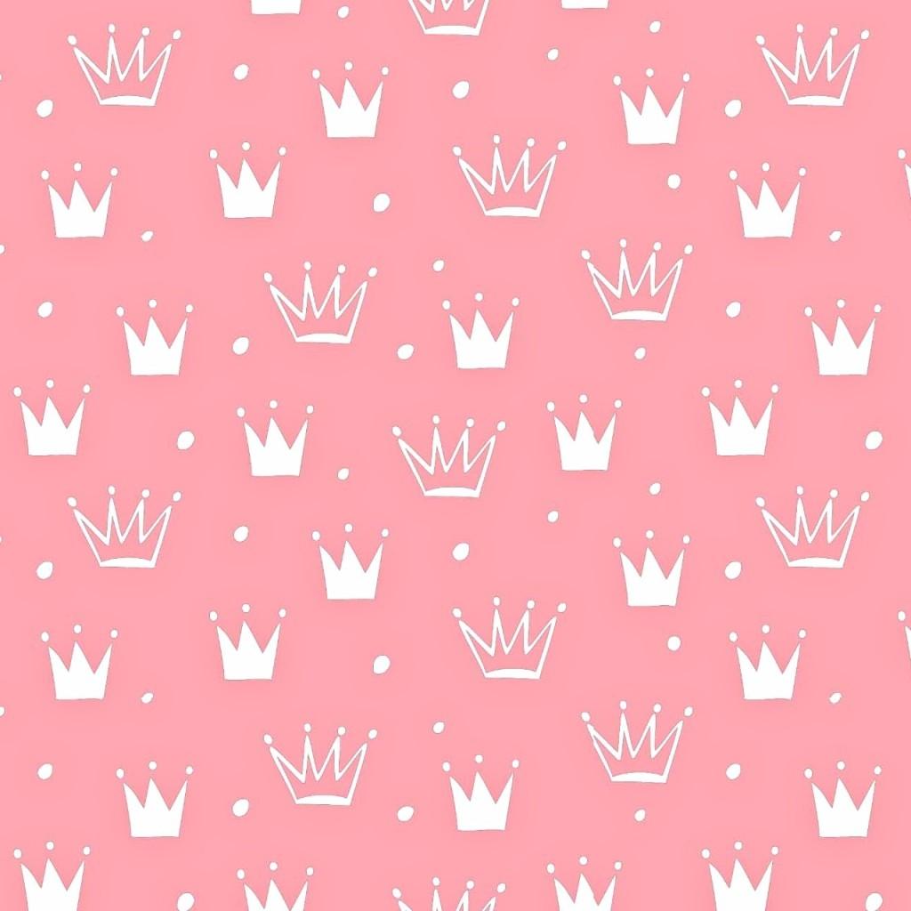 Tkanina w korony z kropkami białe na różowym tle