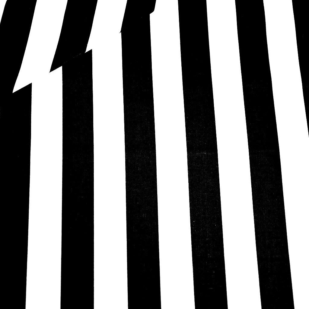Tkanina w pasy biało czarne