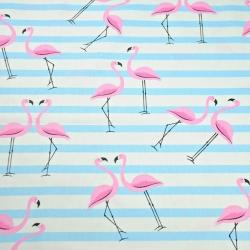 Tkanina w flamingi z pasami różowo błękitne na białym tle