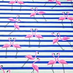 Tkanina w flamingi z pasami różowo granatowymi na białym tle