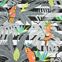 Tkanina w papugi pomarańczowe na szarych liściach na pasach
