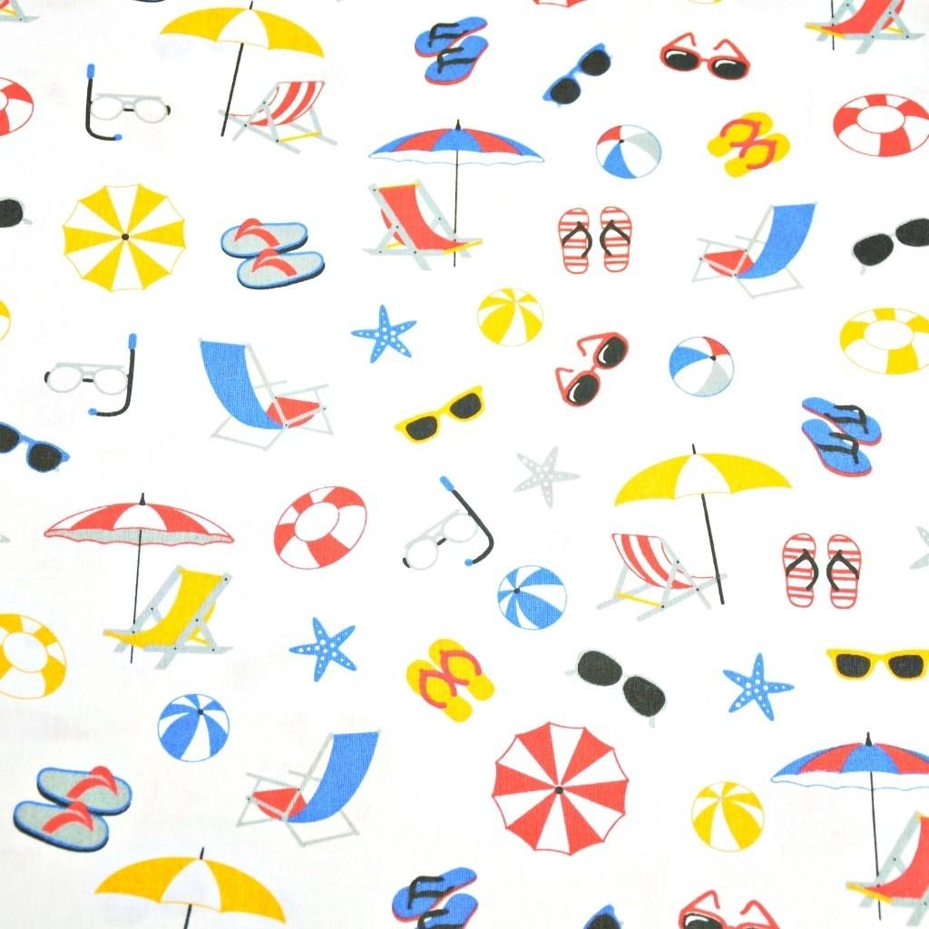 Tkanina w rzeczy plażowe kolorowe na białym tle
