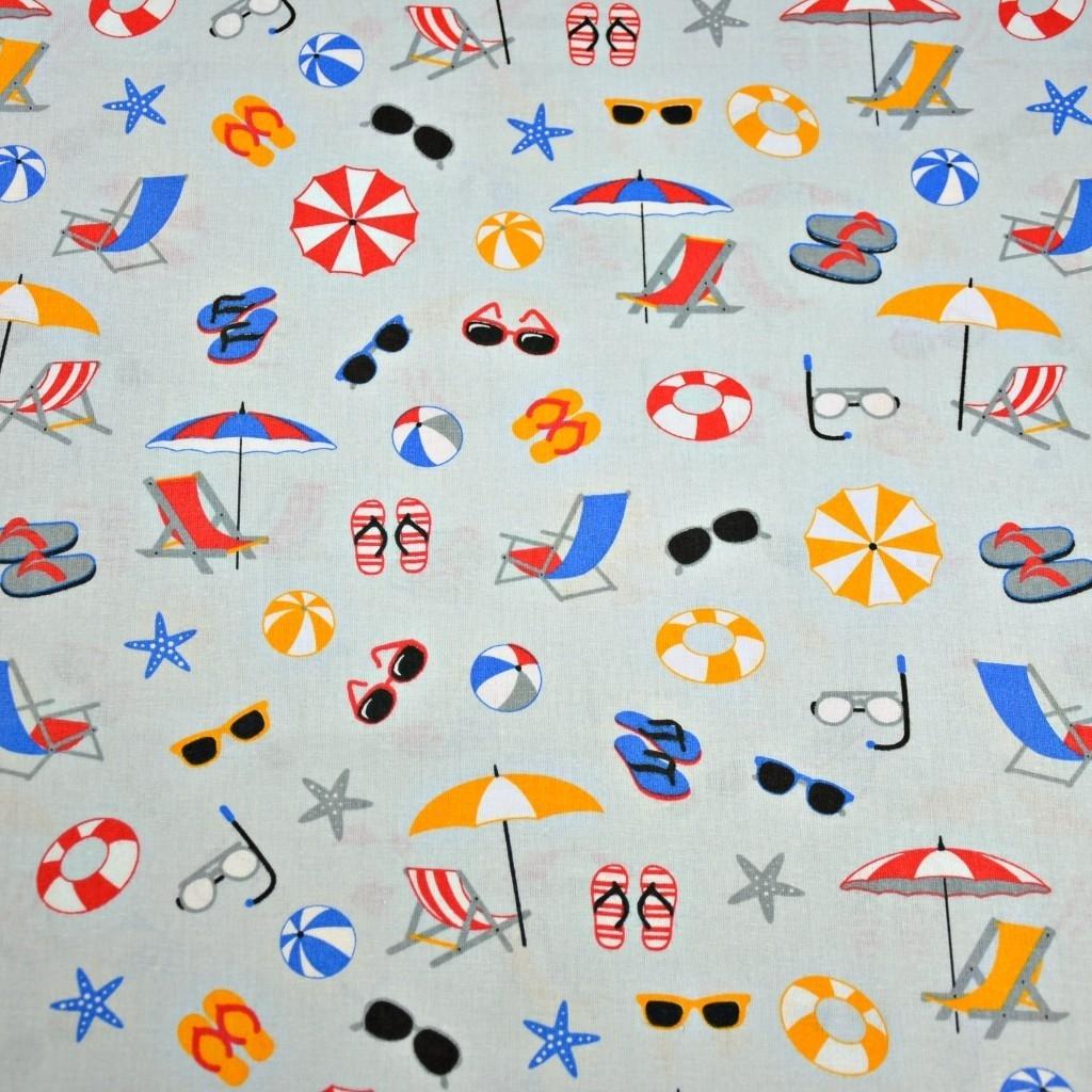 Tkanina w rzeczy plażowe kolorowe na szarym tle