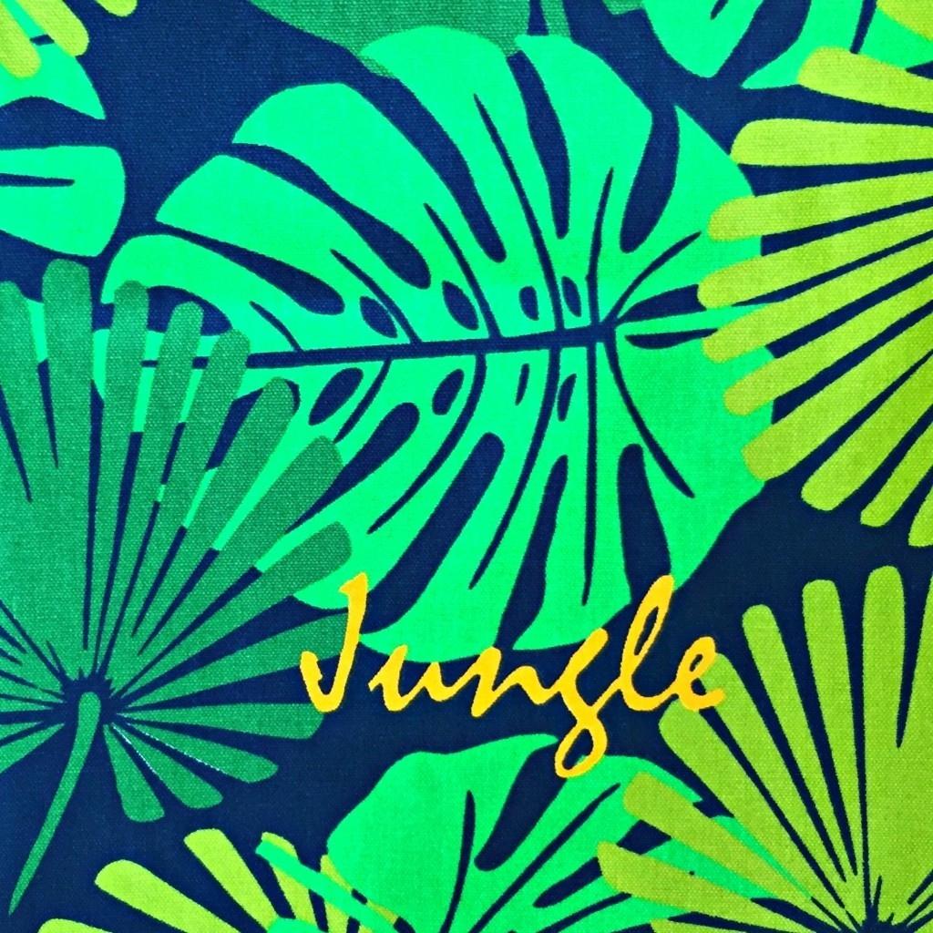 Tkanina leżakowa liście zielone na czarnym