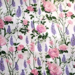 Tkanina lawenda z różami na białym tle