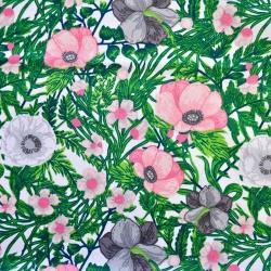 Tkanina maki na zielonej łące