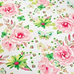 Tkanina w duże kwiatki z motylkami różowo zielone na białym tle