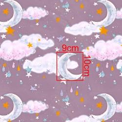 Tkanina złocona księżyce z chmurkami na fioletowym tle