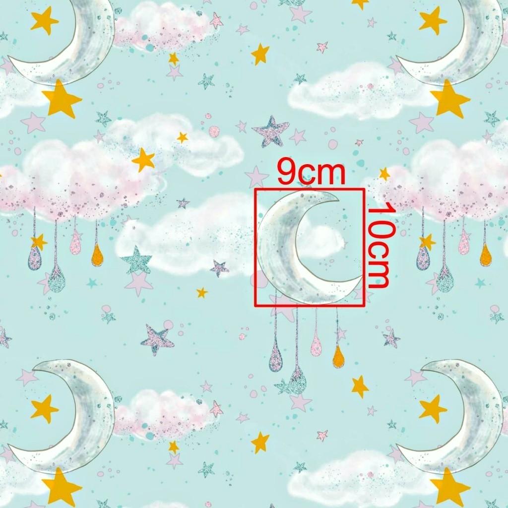 Tkanina złocona księżyce z chmurkami na miętowym tle