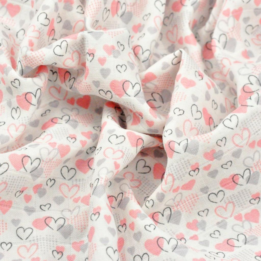 Muślin bawełniany serduszka różowo szare na białym tle