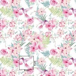 Tkanina kwiaty różowe z kolibrami na białym tle