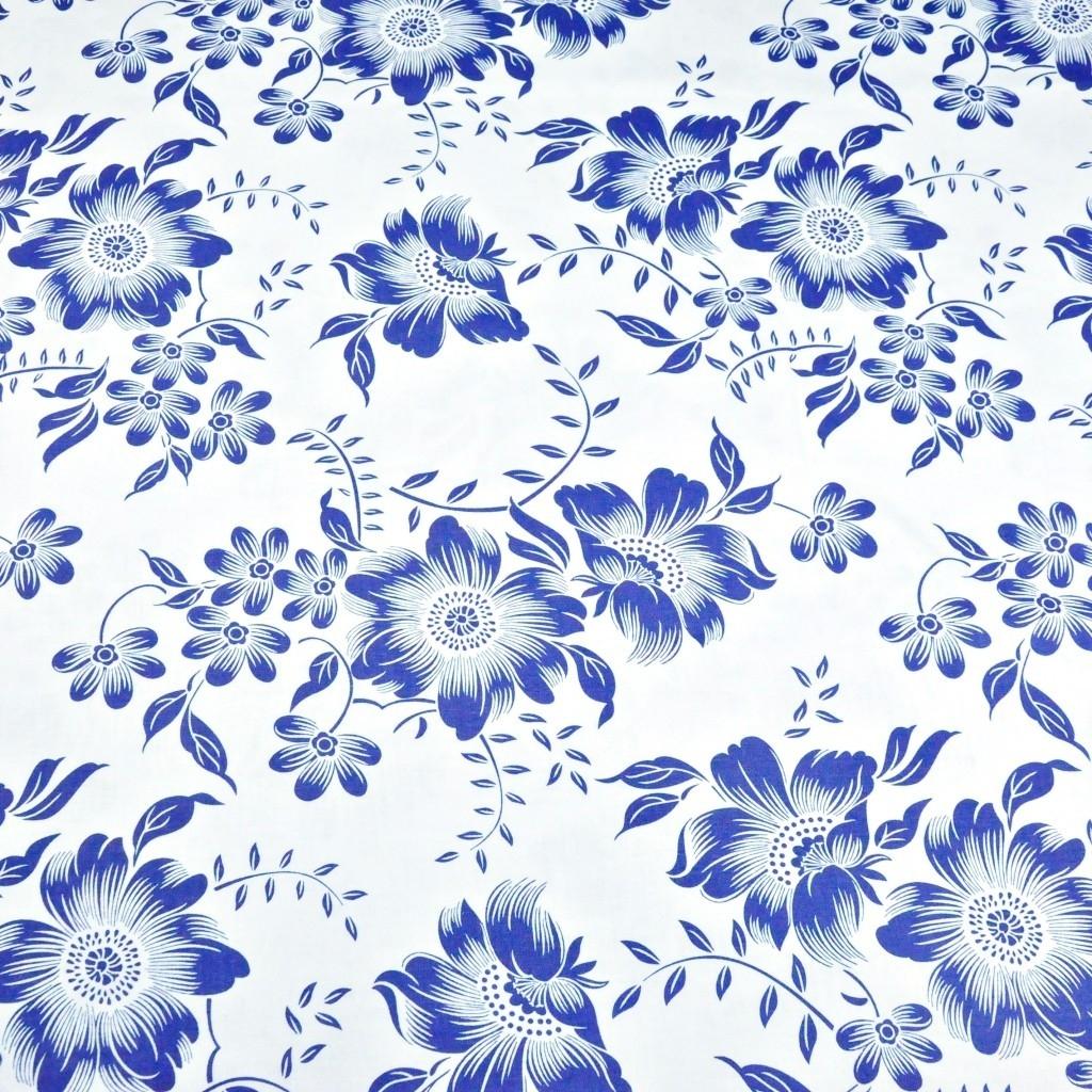 Tkanina w kwiaty granatowe na białym tle