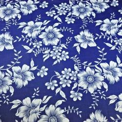 Tkanina w kwiaty białe na granatowym tle