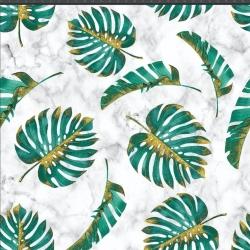 Liście monstera zielono złote na białym marmurowym tle