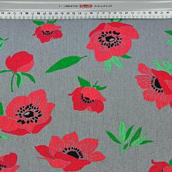 kwiaty maki czerwone na ciemno szarym tle