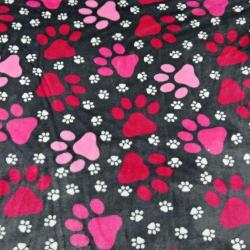 Tkanina Polar plus różowe łapki na szarym tle