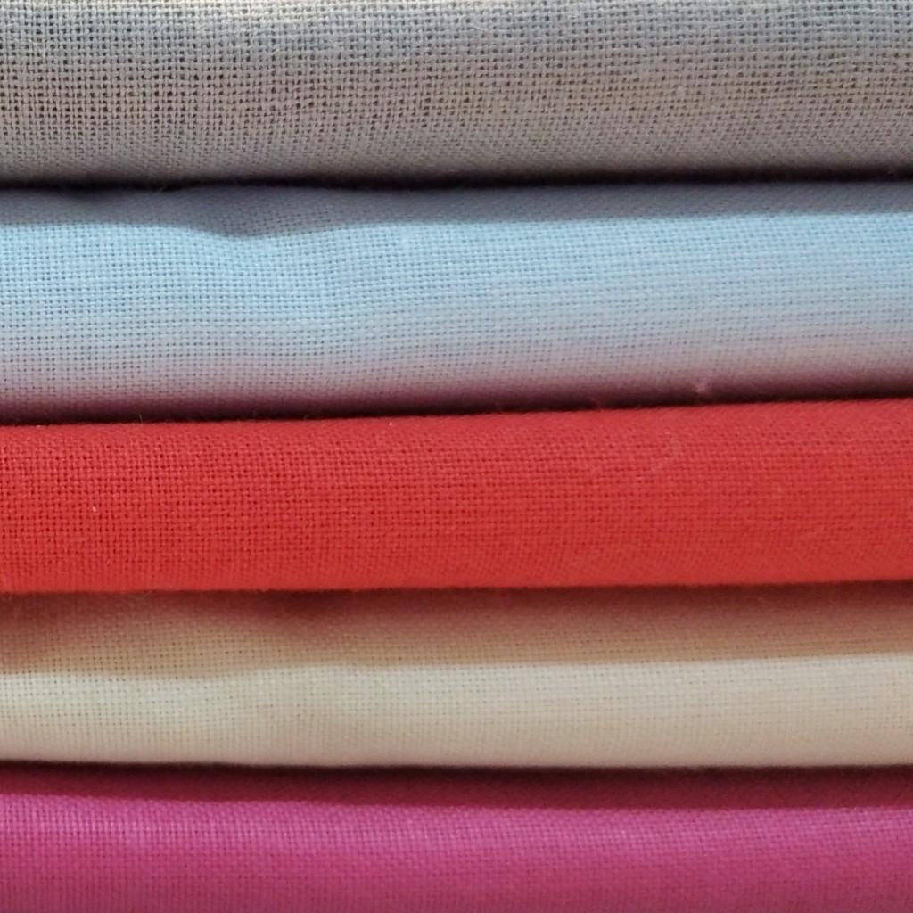 Ścinki tkanin bawełnianych jednokolorowe , końcówki - 1kg